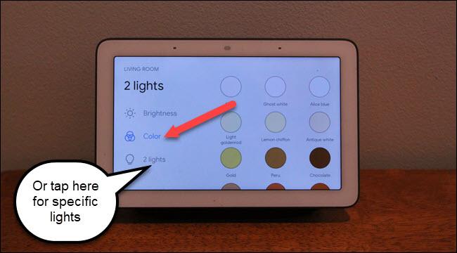 Oświetlenie salonu Google Home Hub z możliwością wyboru kolorów i dwoma opcjami oświetlenia