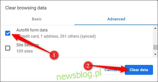 Upewnij się, że opcja Autouzupełnianie danych formularza jest zaznaczona, a następnie kliknij Wyczyść dane