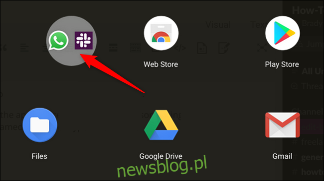 Przeciągnij folder / aplikację w dowolne miejsce w szufladzie aplikacji, aby zmienić położenie aplikacji.