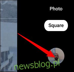 Kliknij miniaturę ostatniego zdjęcia, aby otworzyć aplikację Galeria.