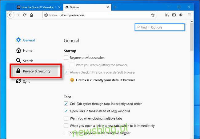 Kliknij Prywatność i bezpieczeństwo w przeglądarce Firefox