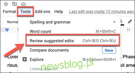 """Aby zacząć akceptować wszystkie sugestie zmian, naciśnij Narzędzia> Przejrzyj sugerowane zmiany """". width = """"461 ″ height ="""" 249 ″ onload = """"pagespeed.lazyLoadImages.loadIfVisibleAndMaybeBeacon (this);"""" onerror = """"this.onerror = null; pagespeed.lazyLoadImages.loadIfVisibleAndMaybeBeacon (this);""""> </p><p> W prawym górnym rogu strony Dokumentów Google pojawi się menu podręczne. Aby zaakceptować wszystkie sugerowane zmiany naraz, kliknij przycisk """"Akceptuj wszystko"""". </p><p> <img loading ="""