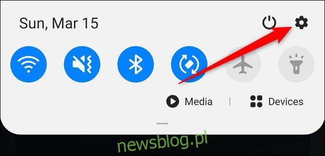 Samsung Galaxy S20 Otwórz zasłonę powiadomień, a następnie wybierz opcję Ustawienia biegów