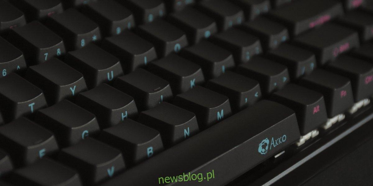 Jak naprawić nieprawidłowe wpisywanie liter na klawiaturze